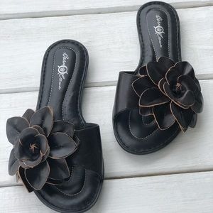 Born Crown Leather Slides. Size 9